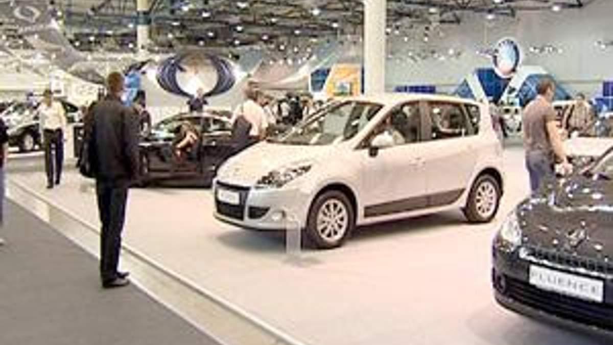 Украина отложила увеличение пошлины на авто до сентября