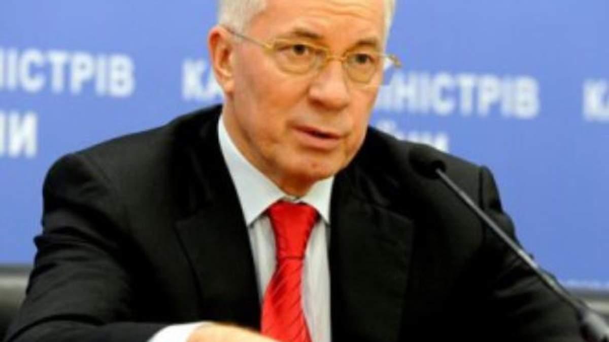 Азаров: 2012 рік буде головним для роботи бізнесу