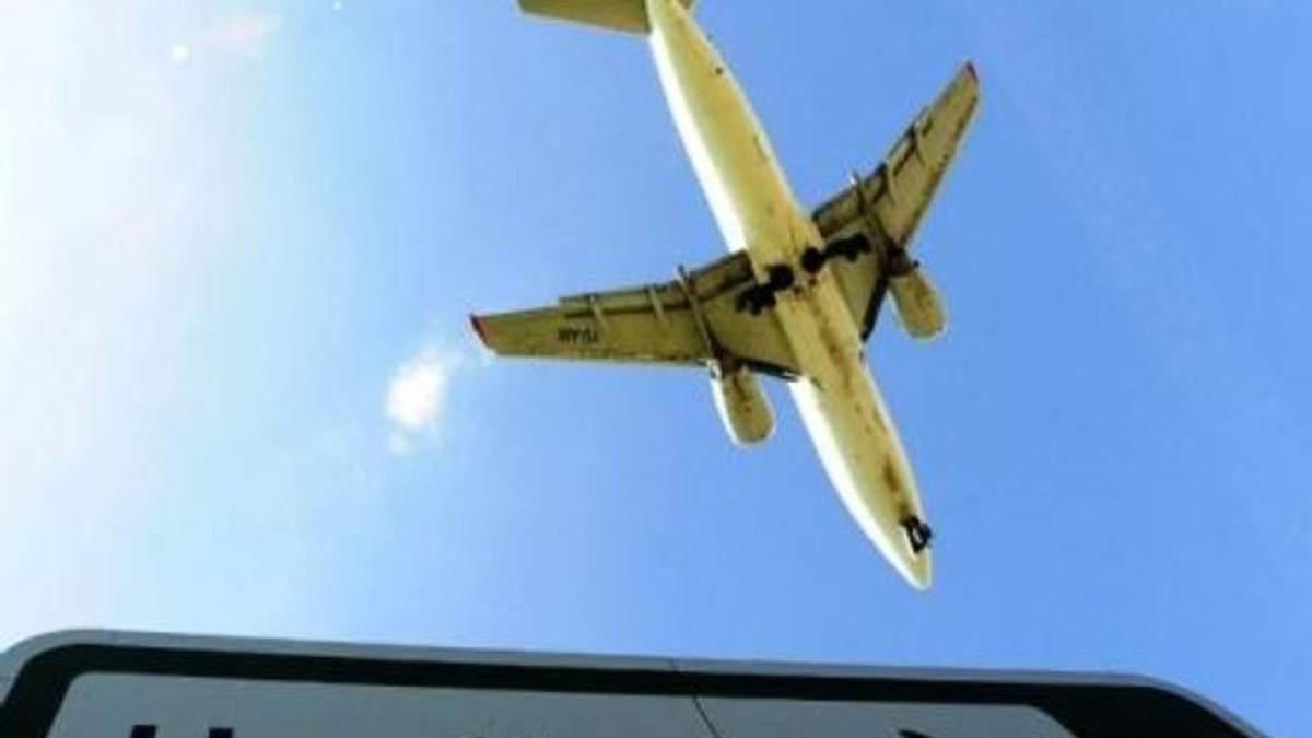 """Аеропорт """"Хітроу"""" скасував третину авіарейсів через непогоду"""