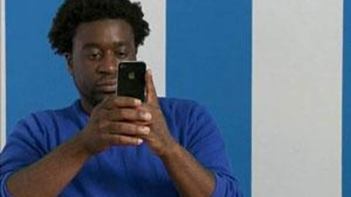 Apple виплатить по $15 власникам iPhone 4 за проблеми з антенами