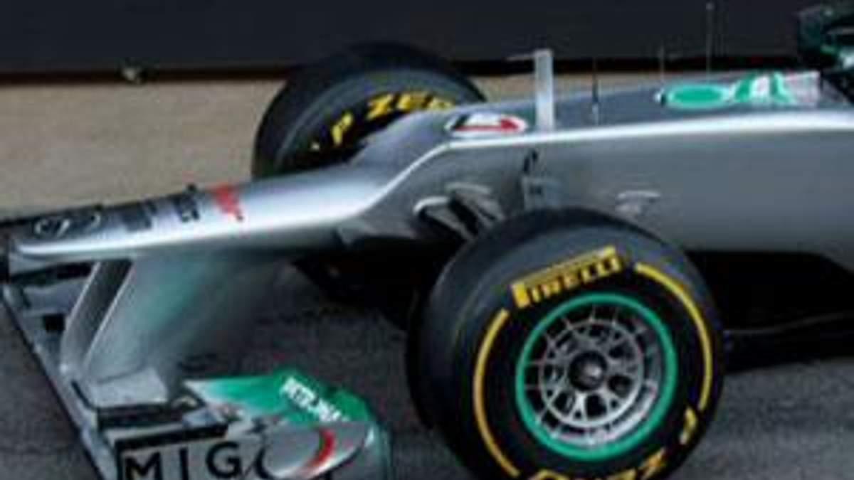 """Mercedes"" представил новый болид - W03"