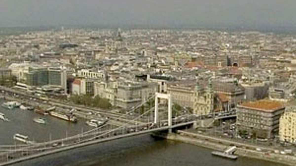 Еврокомиссия лишит Венгрию помощи почти на 500 млн. евро