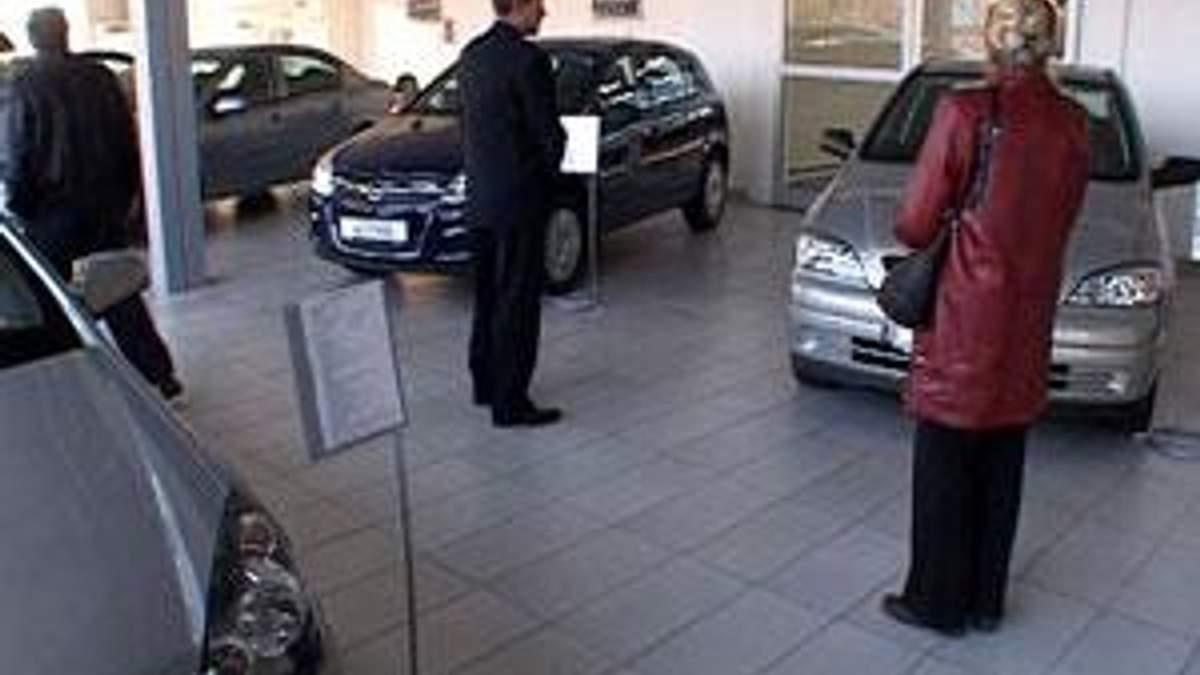 Пенсійний збір перекладуть на покупців авто