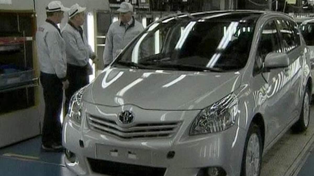 Toyota відкликає 7,4 мільйонів автівок через дефект склопідйомника