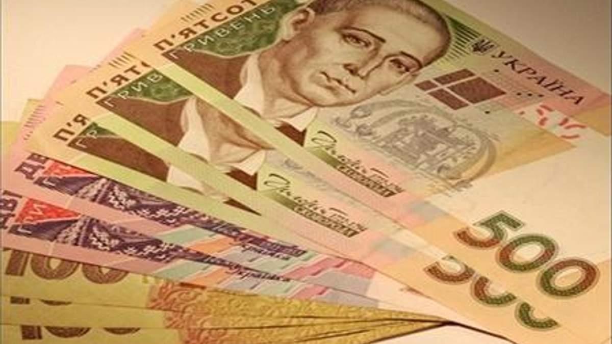 Fitch допускает падение гривни на 10% уже до конца года