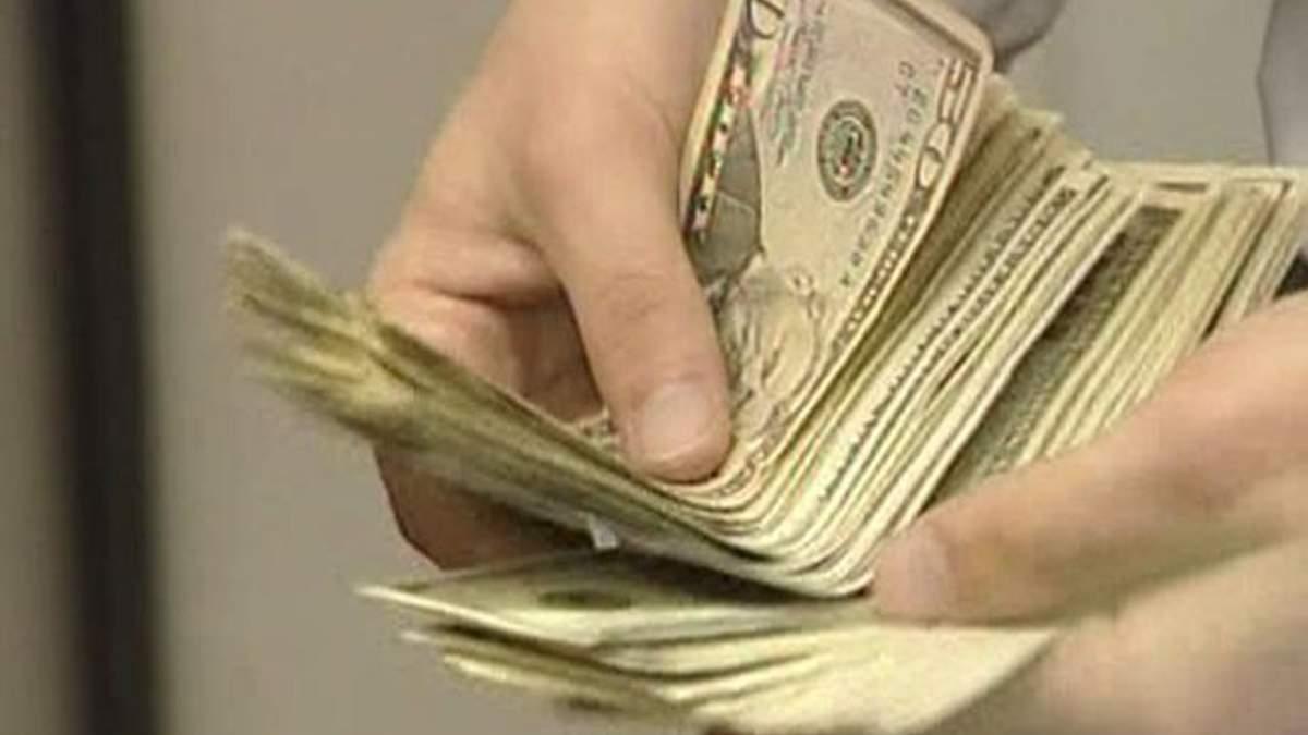 """За I полугодие из Украины нелегально """"ушло"""" около $5 млрд"""