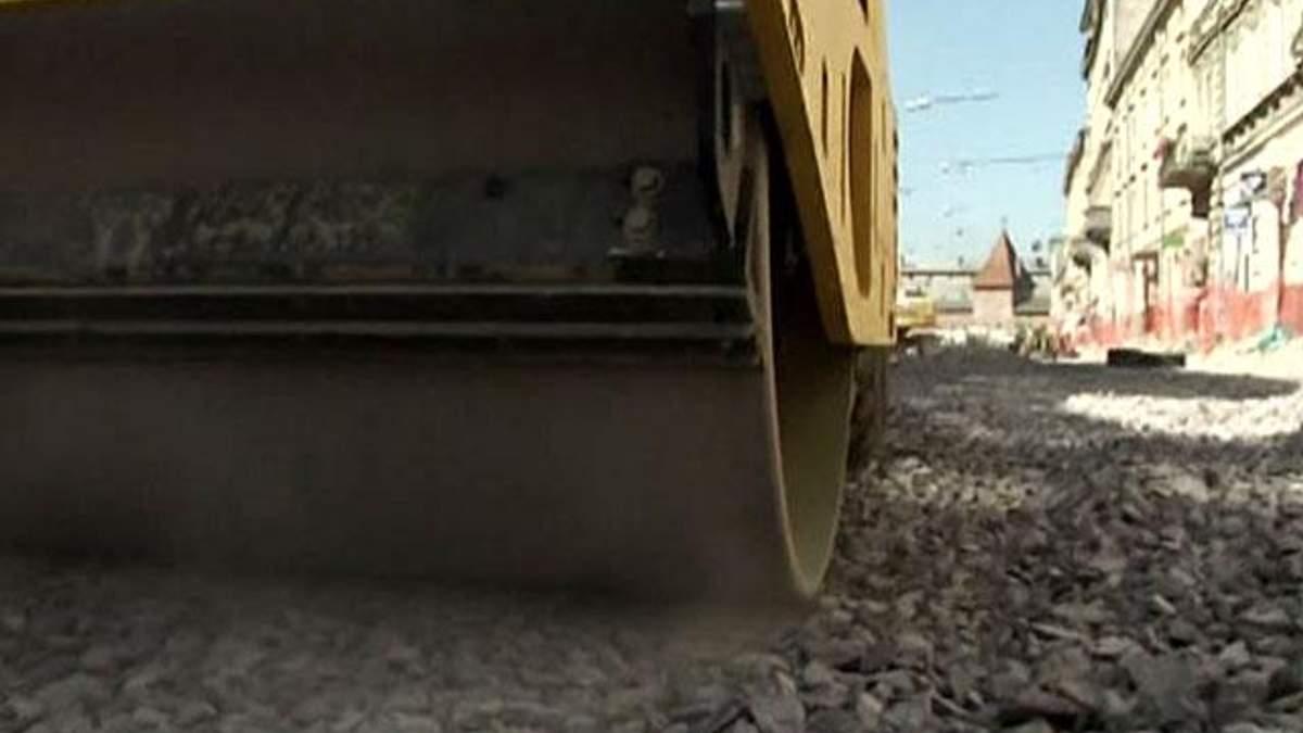 Азаров рассчитывает на 100 миллиардов гривен инвестиций в строительство