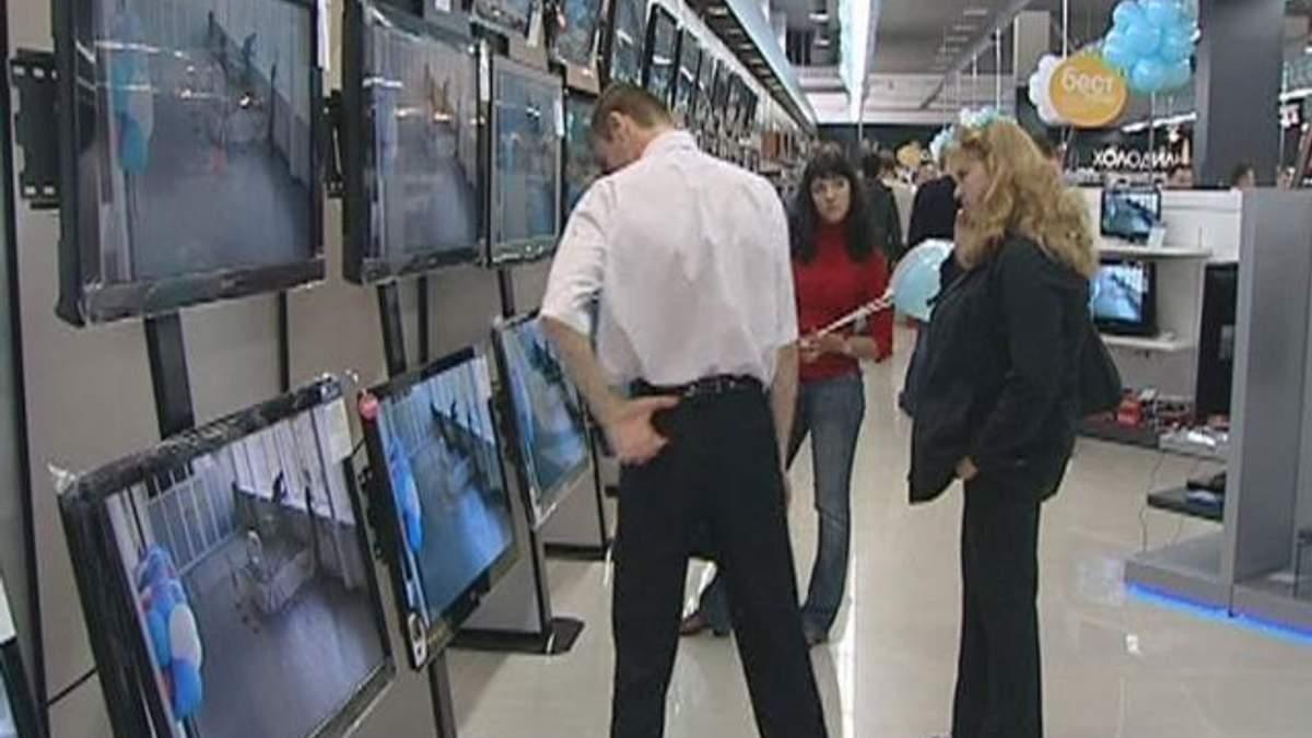 В очікуванні девальвації українці готові до великих покупок