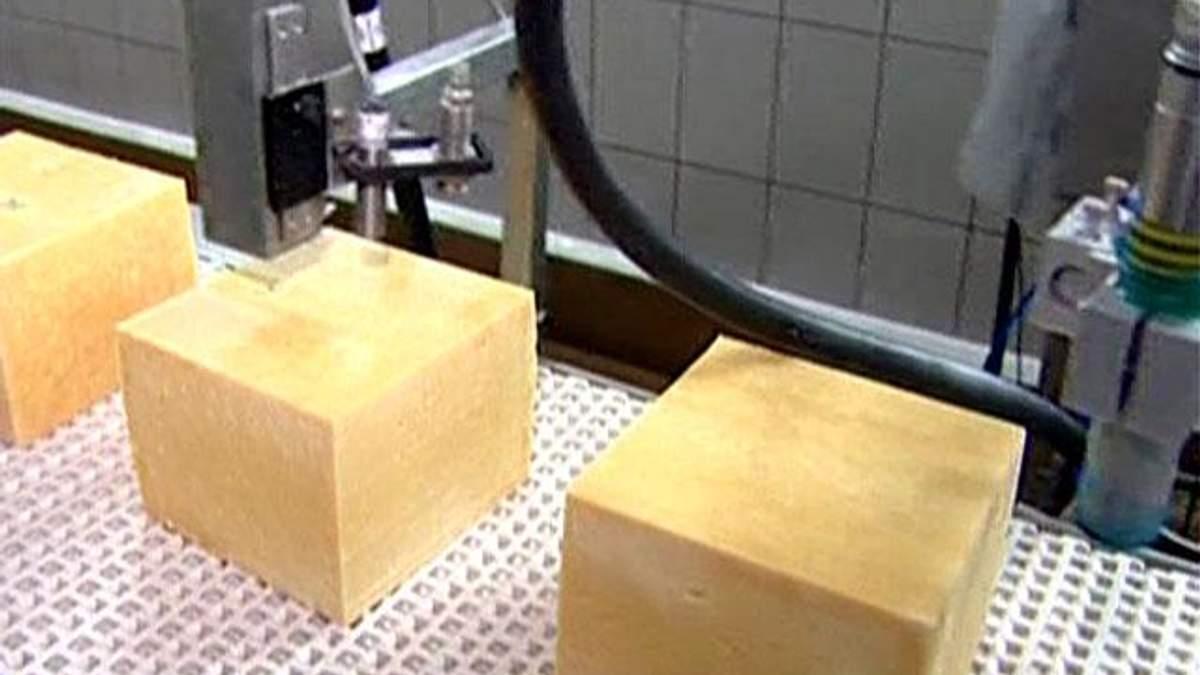 Українські молочні компанії відновили обсяги експорту сиру до Росії