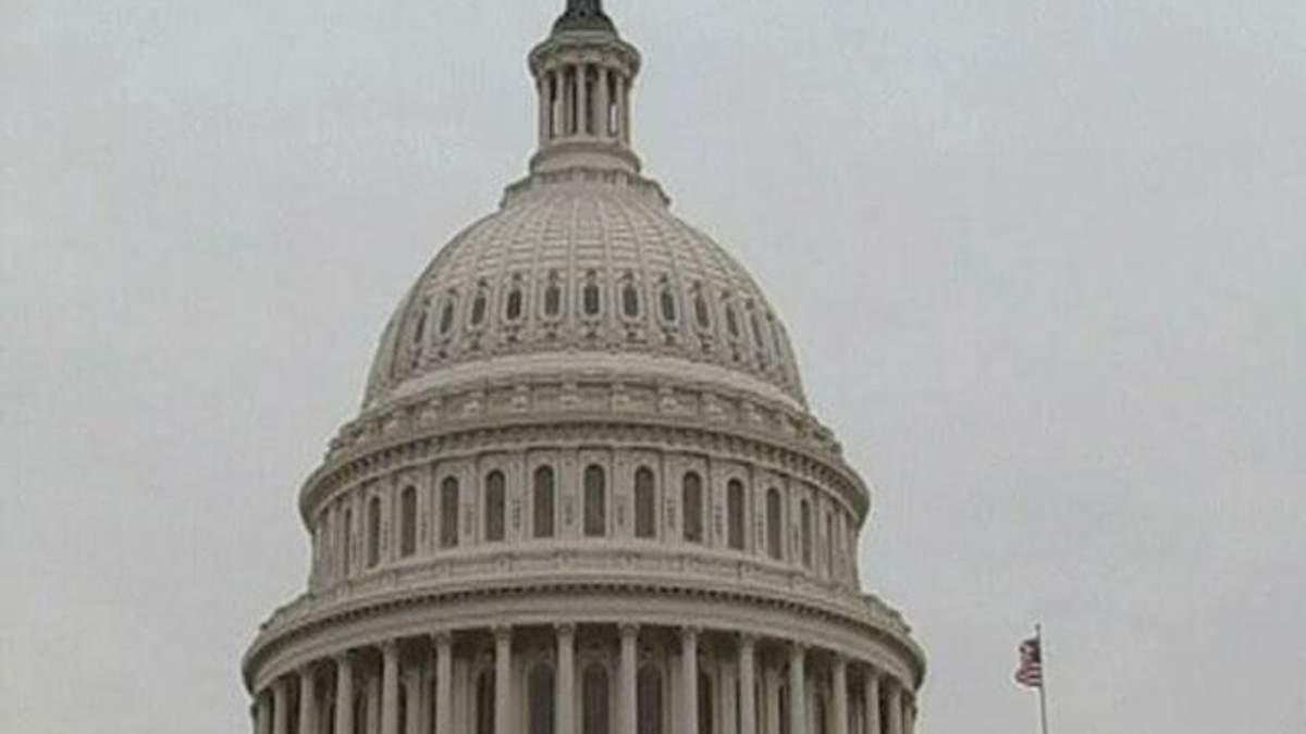 США можуть оголосити дефолт за місяць