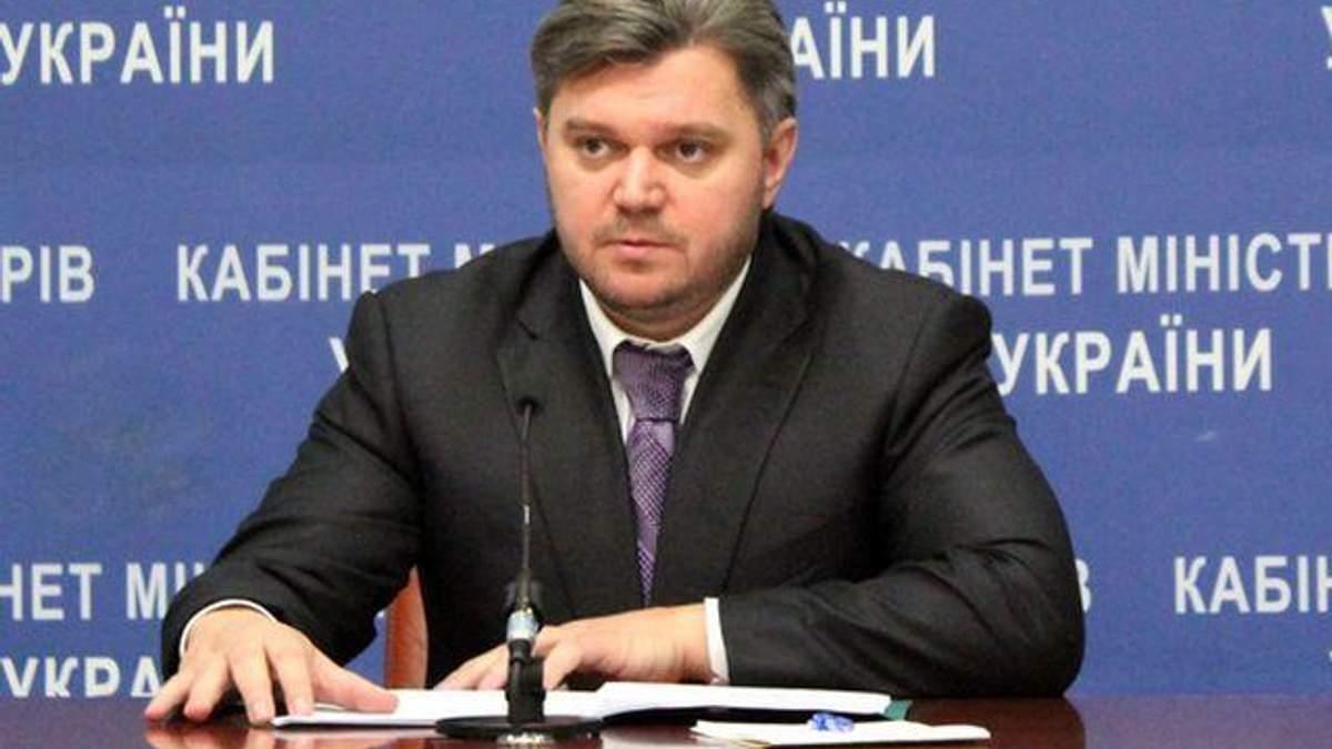 Кабмин поручил министру Ставицкому подписать соглашение с Shell