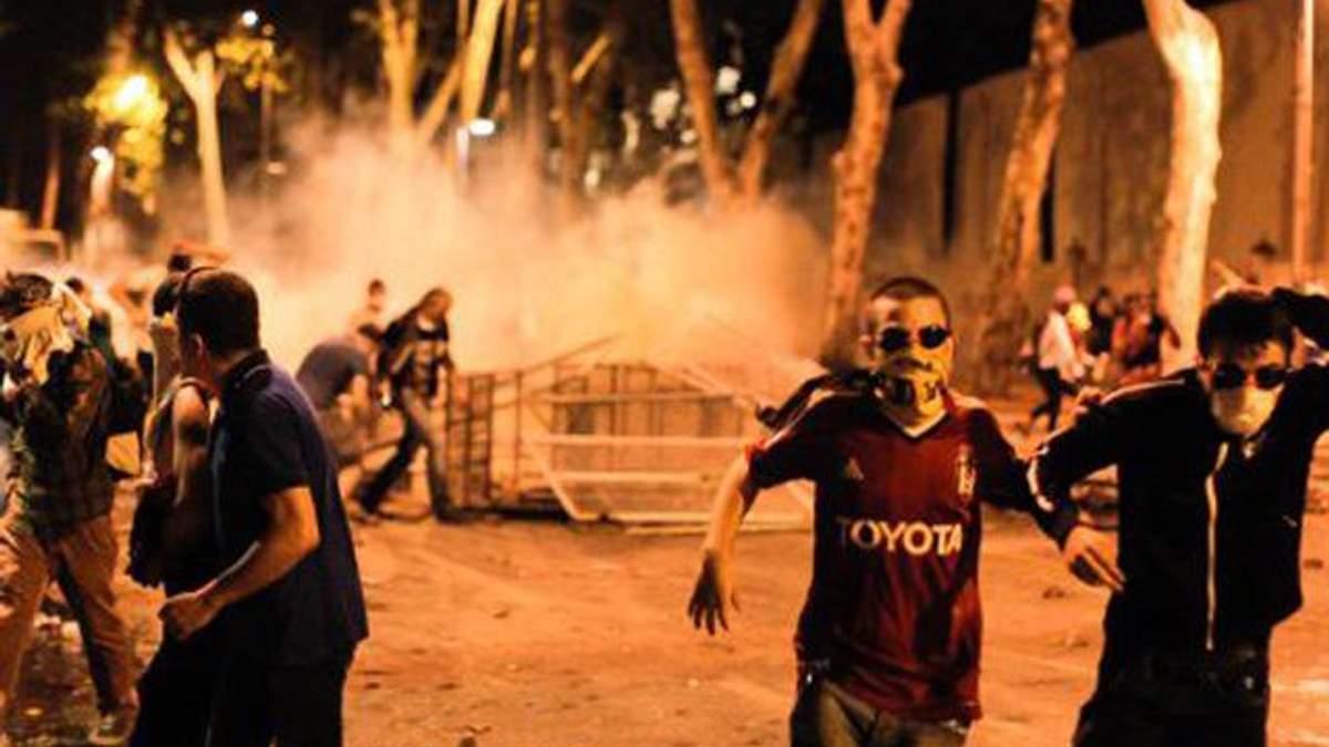 Эксперт: Из-за митингов Турция потеряет четверть туристов