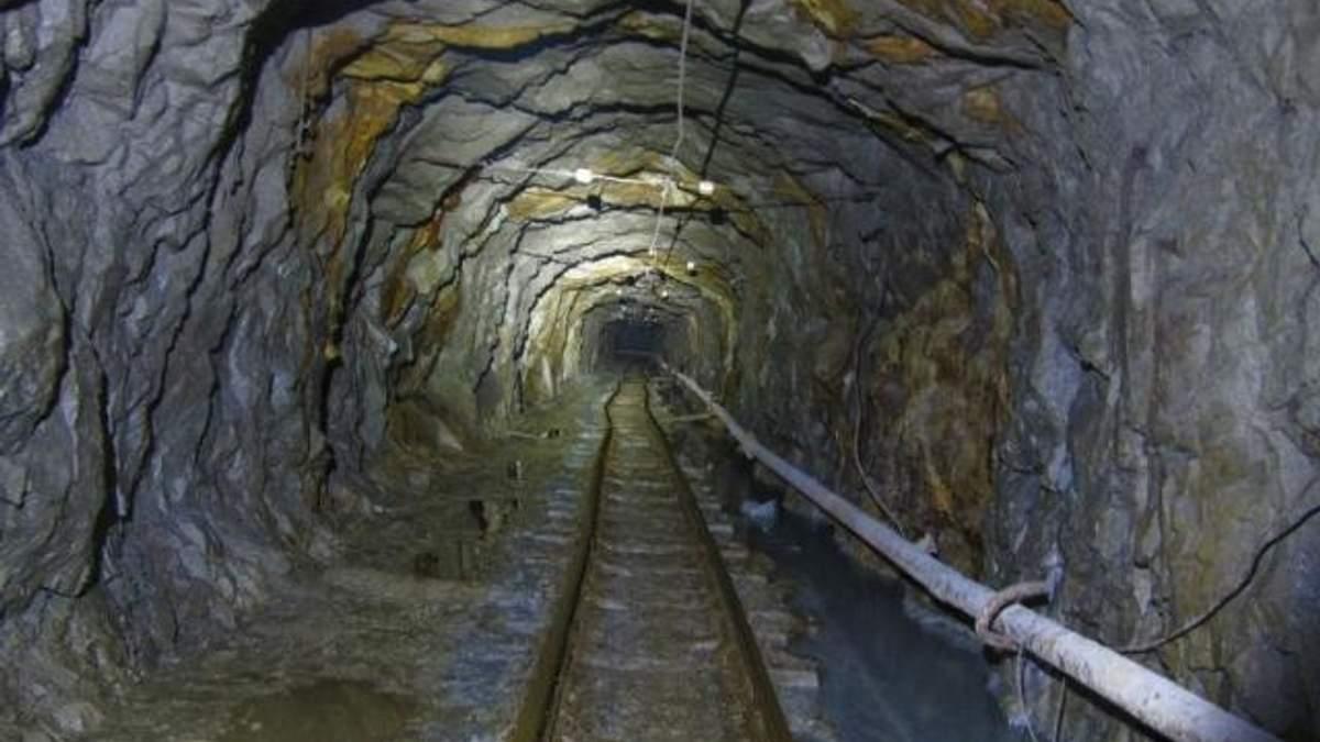 Украина ежедневно недополучает 7-10 тыс. тонн угля из-за беспорядков на Востоке