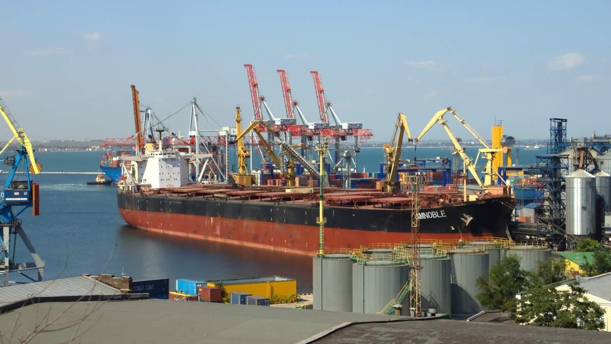 Дорожнеча портових зборів в Україні б'є по транзитному та експортному потенціалу країни, – ЗМІ