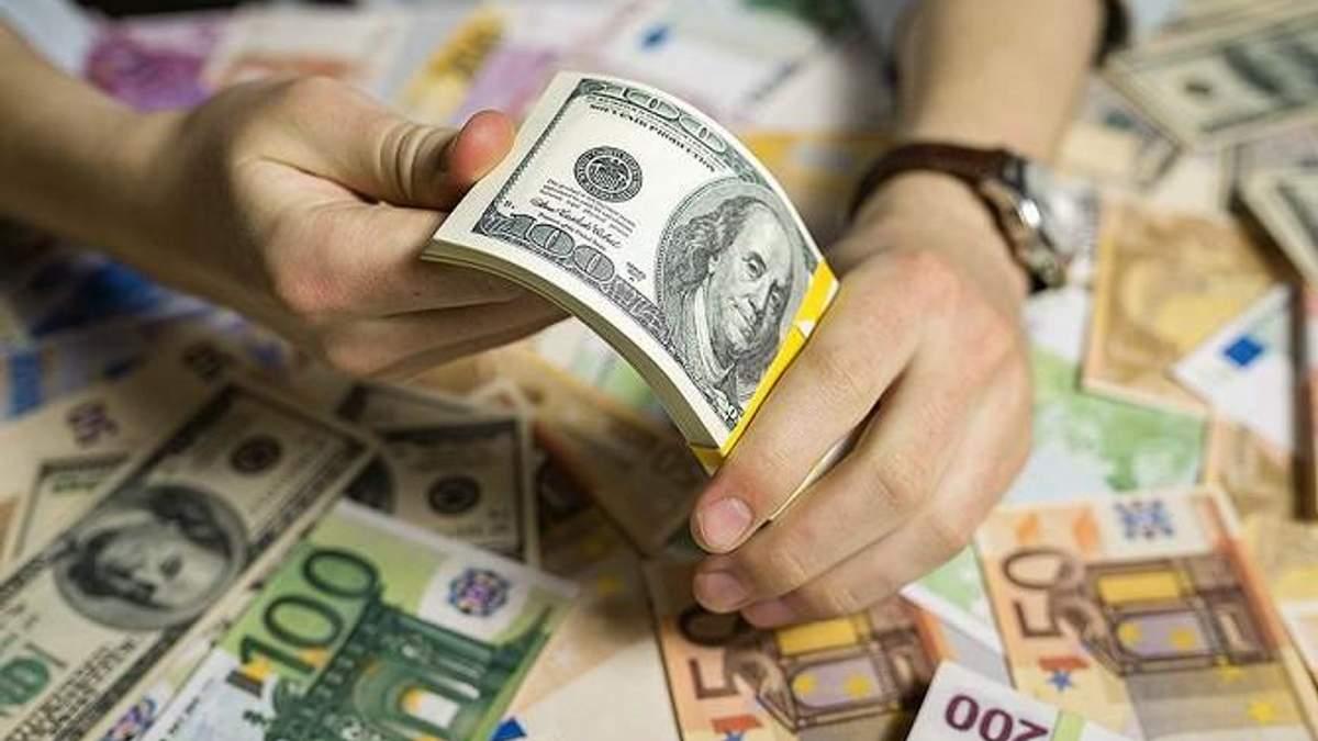 Пока ни одна из валют не пересекла отметки в 30 гривен