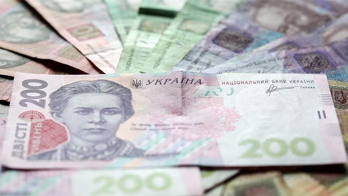 Курс валют на 12 липня: долар падає, а євро росте