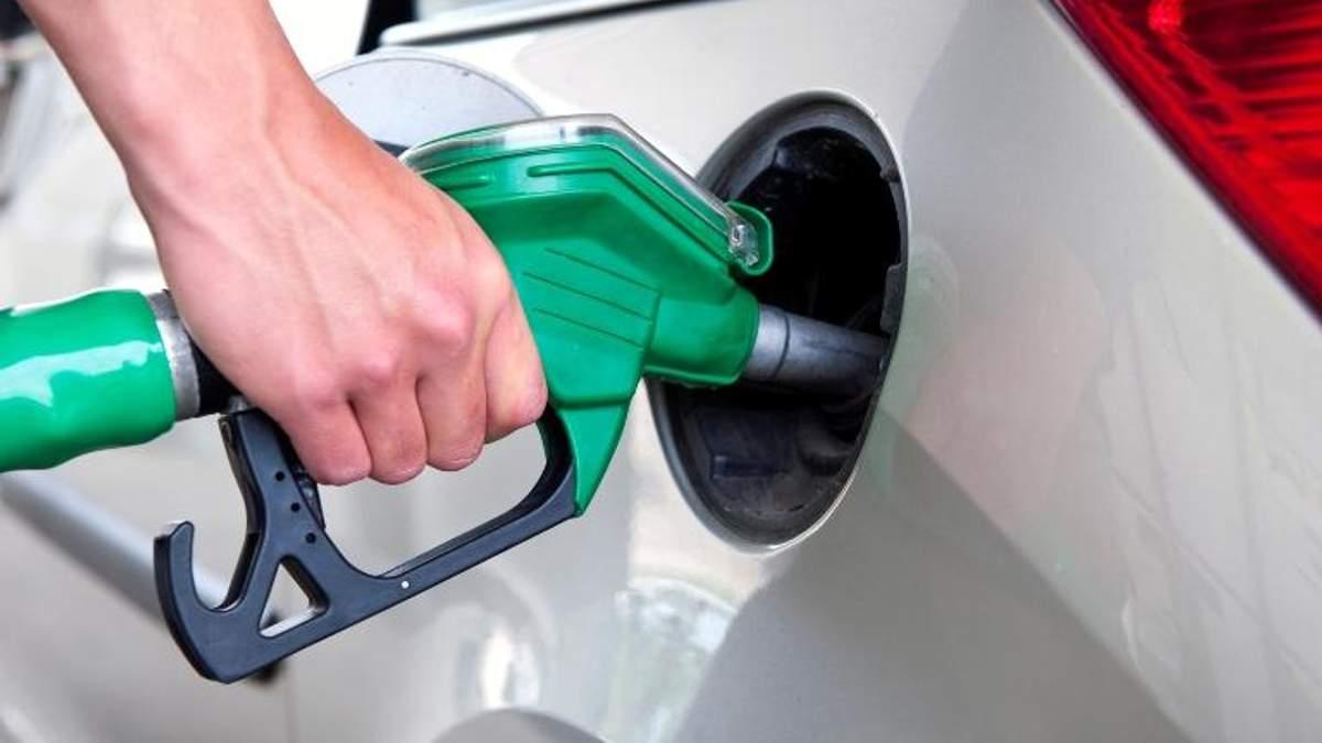 Експерти розповіли, на скільки подорожчає бензин вже на початку осені