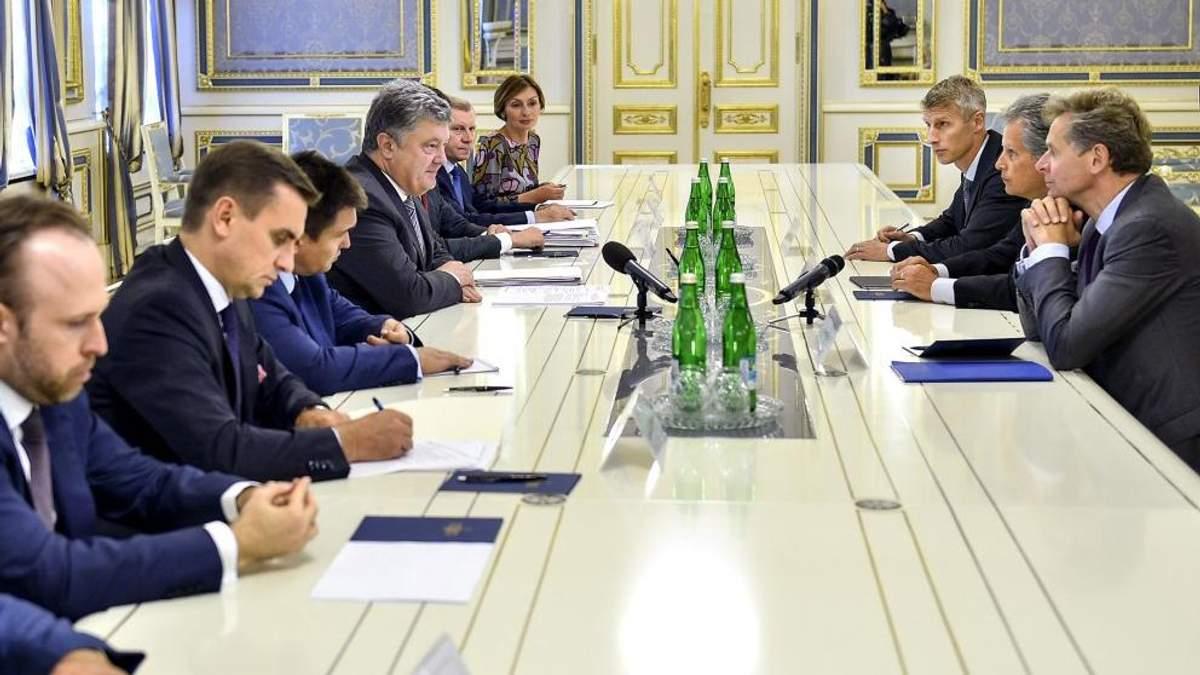 Порошенко зустрівся з заступником голови МВФ: деталі перемовин