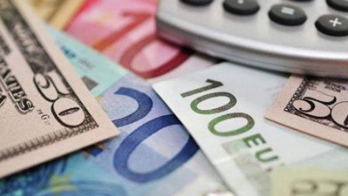 Курс валют на 23 січня: долар виріс, євро й надалі – поза 35 гривень