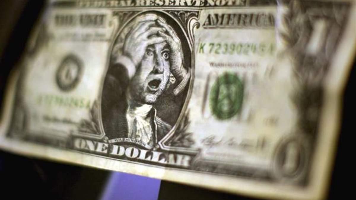 Курс доллара в Украине: нардеп прогнозирует еще больше падение гривны до конца января