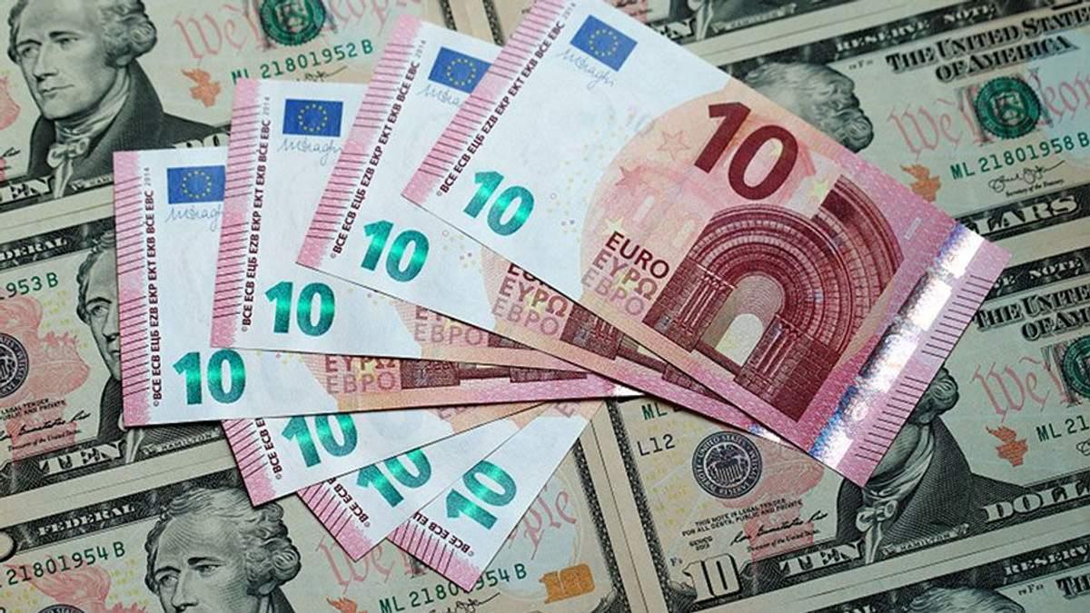Наличный курс валют 30 января: гривна продолжает укрепляться