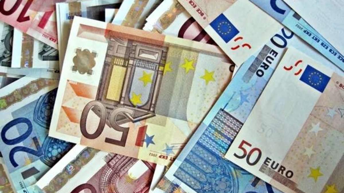 Готівковий курс валют 2 березня: євро і долар подешевшали