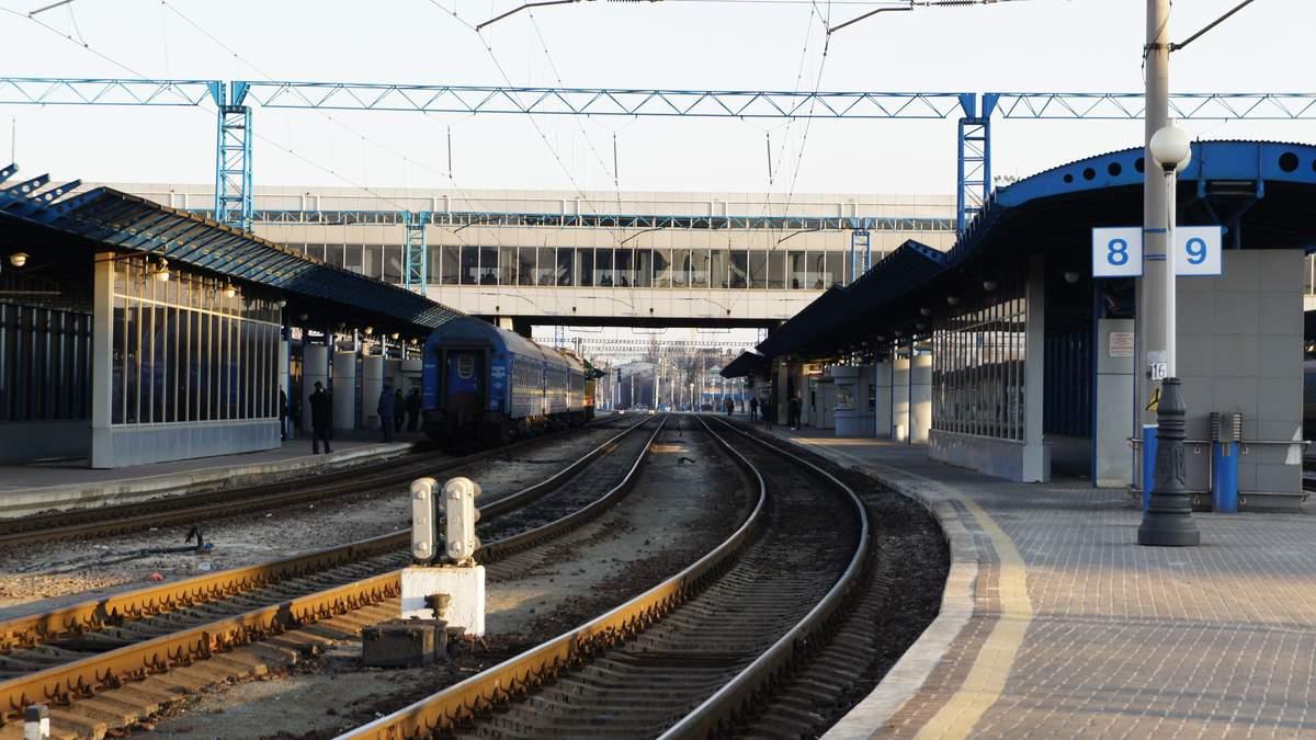 """Українці не можуть купити квитки на деякі потяги """"Укрзалізниці"""": деталі"""