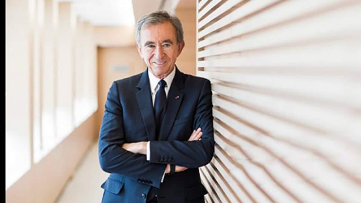 Самым богатым человеком Европы стал владелец компании-производителя предметов роскоши: имя