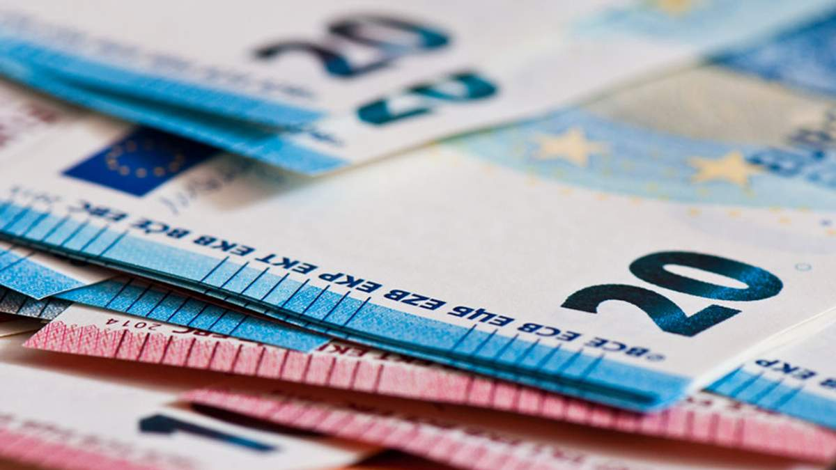 Готівковий курс валют на сьогодні 10-04-2018: курс долару та євро