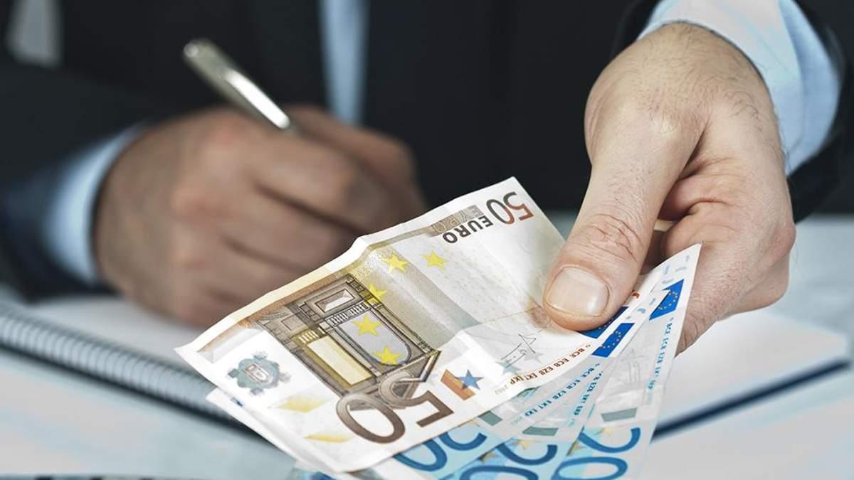 Готівковий курс валют на 11-04-2018: курс долару та євро