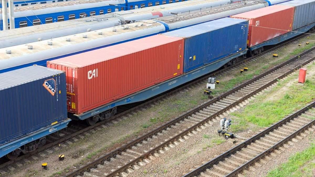 Министр поручил УЗ в первую очередь перевозить украинский экспорт, а только потом транзит из РФ