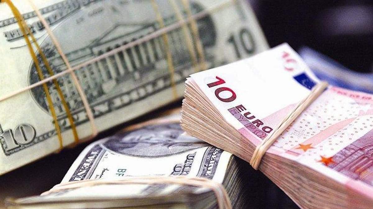 Чому росте долар та євро в Україні: пояснення від НБУ