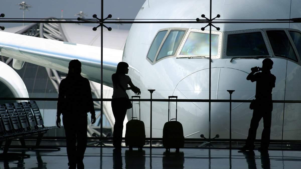 Трудова міграція: чому українці їдуть з країни і як їх повернути?