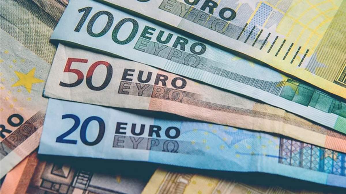 Курс валют НБУ на сьогодні 01-10-2018: курс долара, курс євро