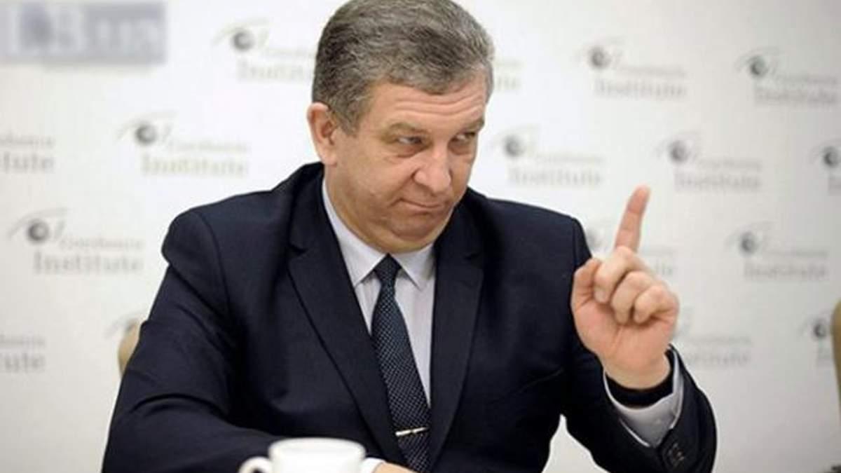 Міністр Рева попередив українських заробітчан про проблеми з пенсіями