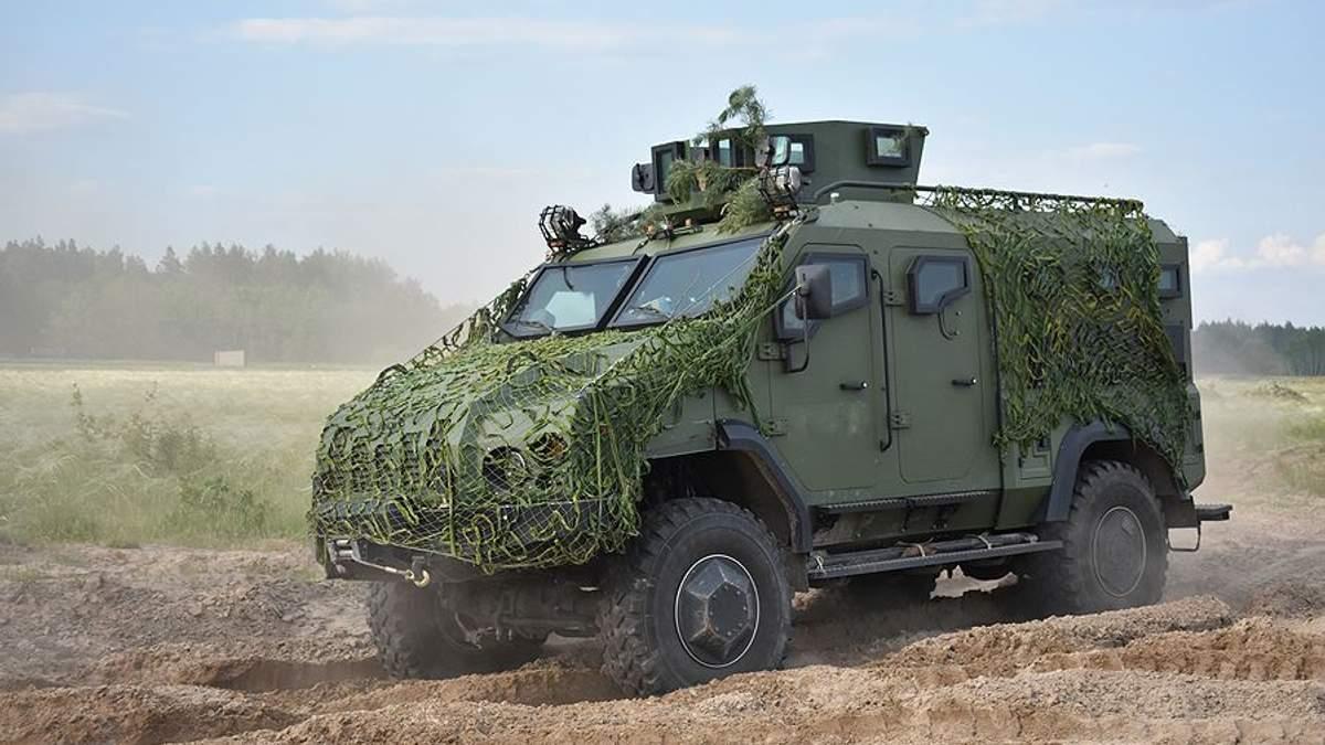 """Україна почала експортувати бронеавтомобілі власного виробництва """"Варта"""""""