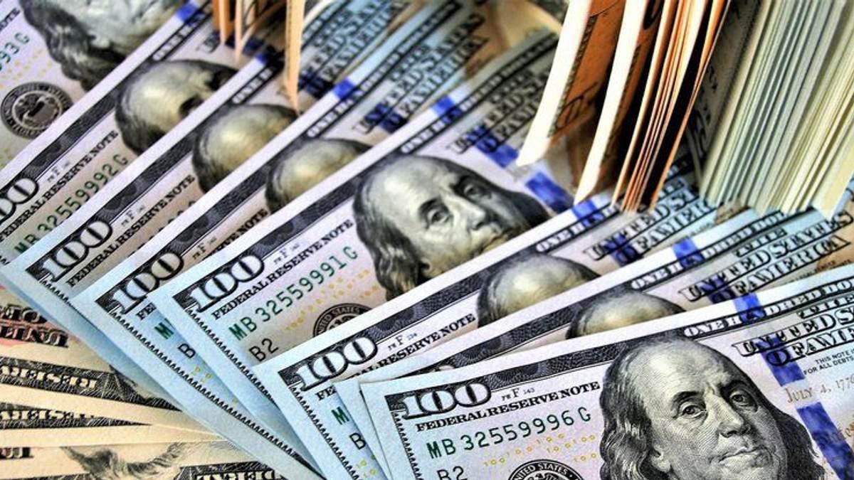 Курс валют на 6 лютого: долар та євро продовжують стрімко дешевшати