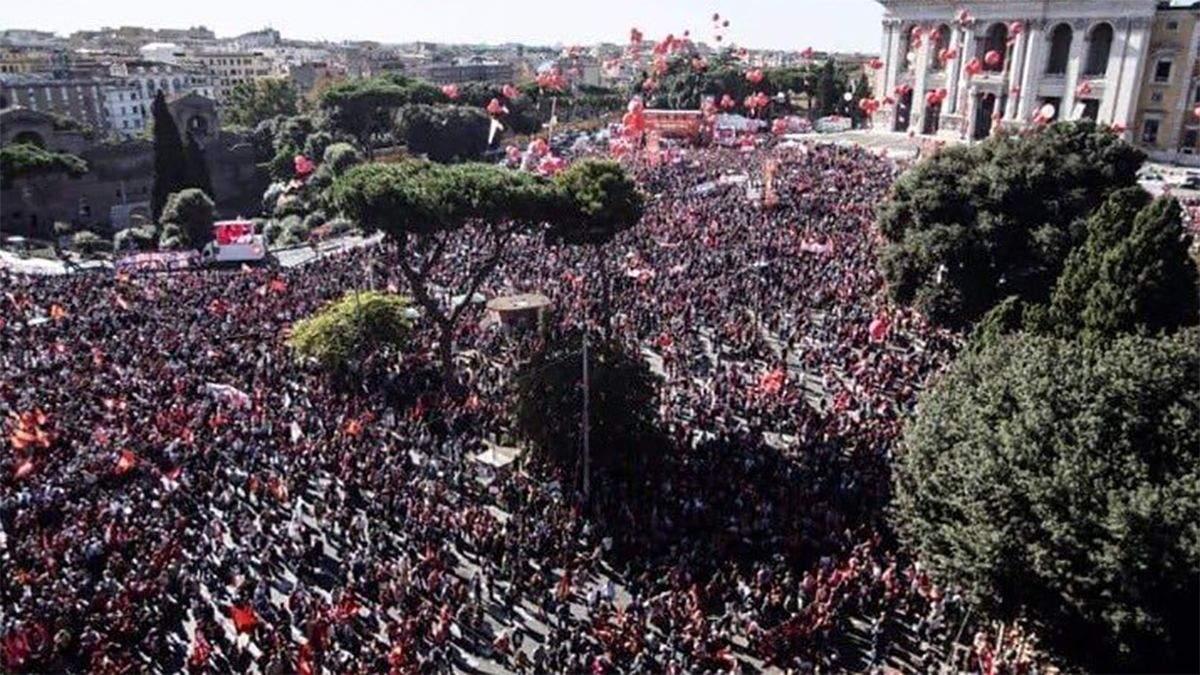 Уряд повинен увійти в реальний світ: тисячі людей вийшли на протести у Римі