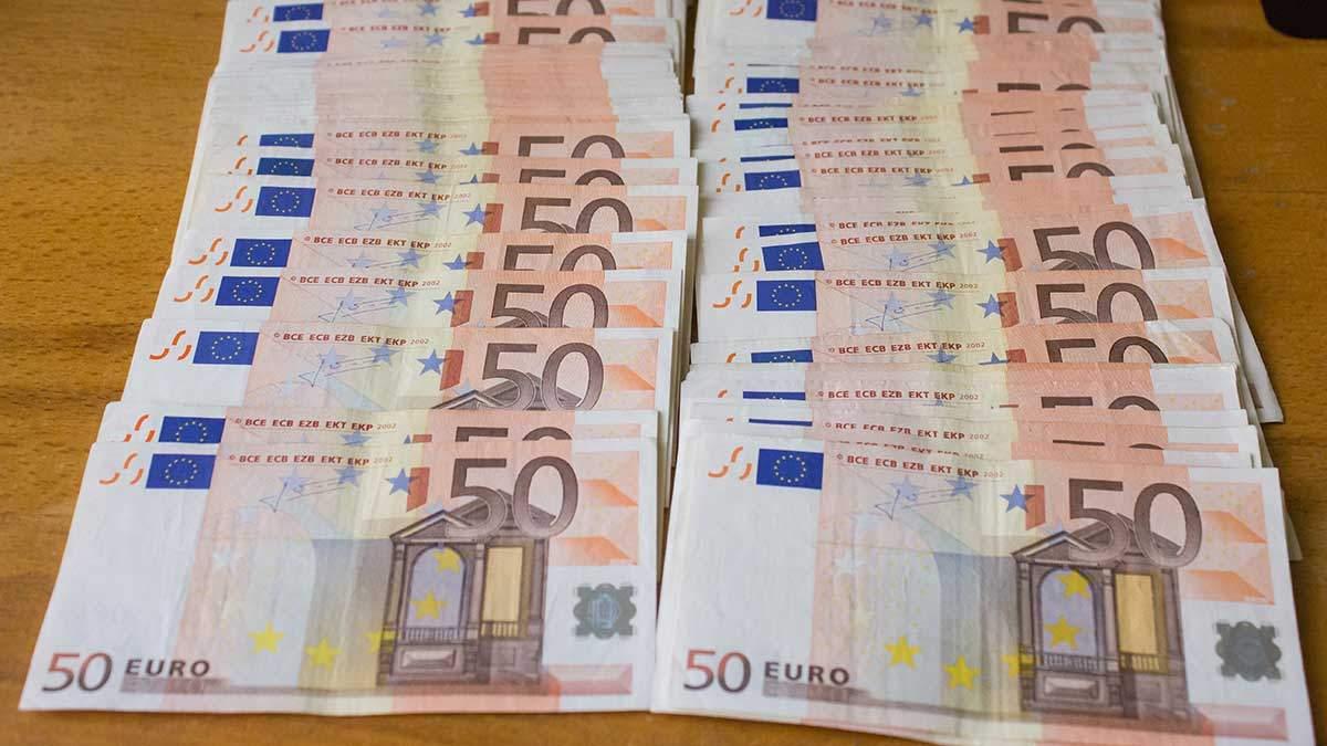 Готівковий курс валют 22 лютого: гривня втратила кілька копійок напередодні вихідних