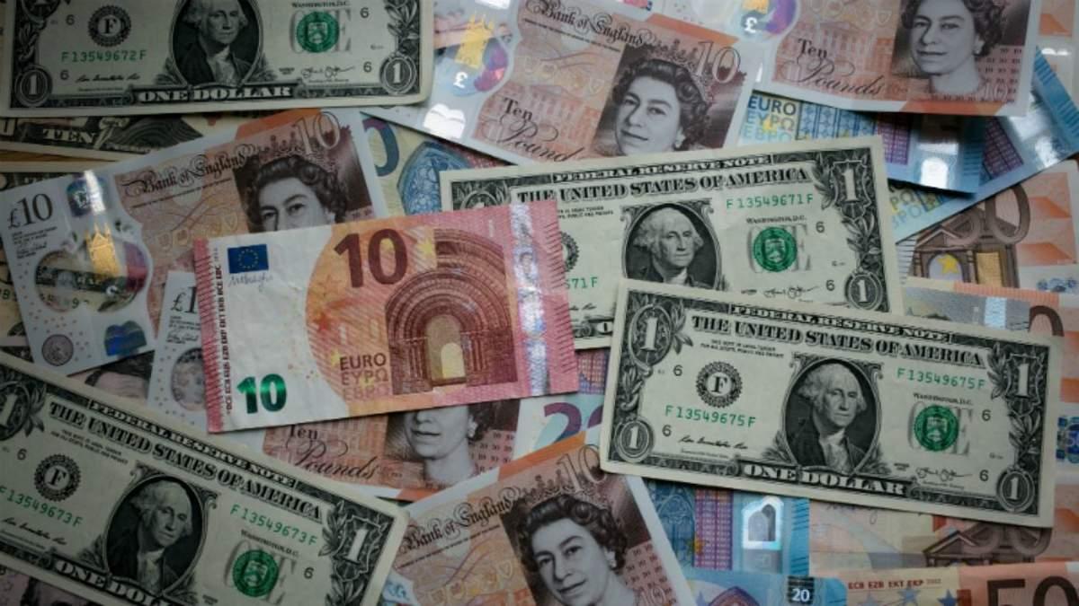 Курс валют на 4 березня: долар не зазнав жодних змін, євро дещо втратив