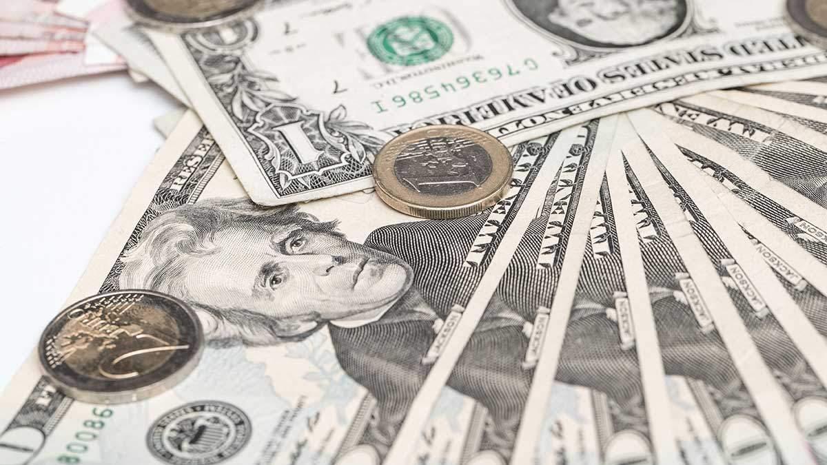 Курс валют на 10 квітня: долар та євро здорожчали