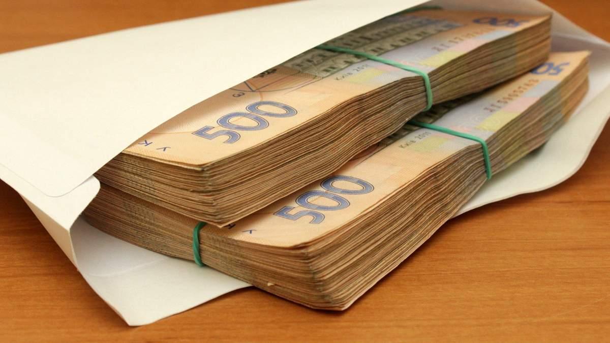 Верховный суд разрешил определять зарплату украинцев в валюте