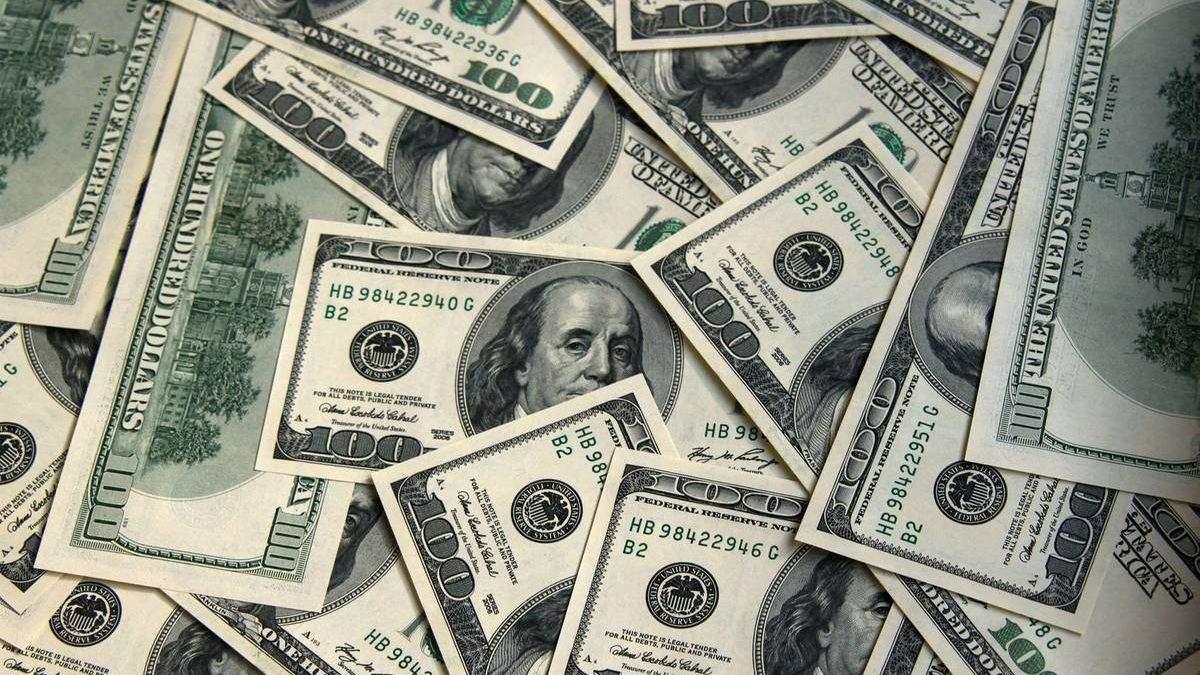 Курс американського долара значно завищений, – МВФ