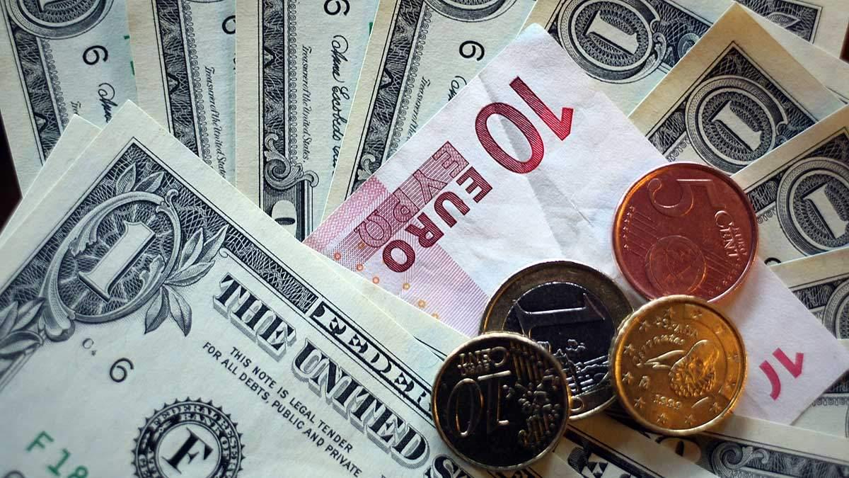 Готівковий курс валют 2 вересня: євро падає