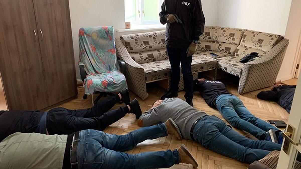 В Киеве СБУ разоблачила мощный незаконный конвертационный центр: фото