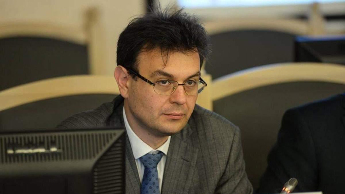 Председатель комитета по вопросам финансов Гетманцев был помощником Сивковича, – расследование