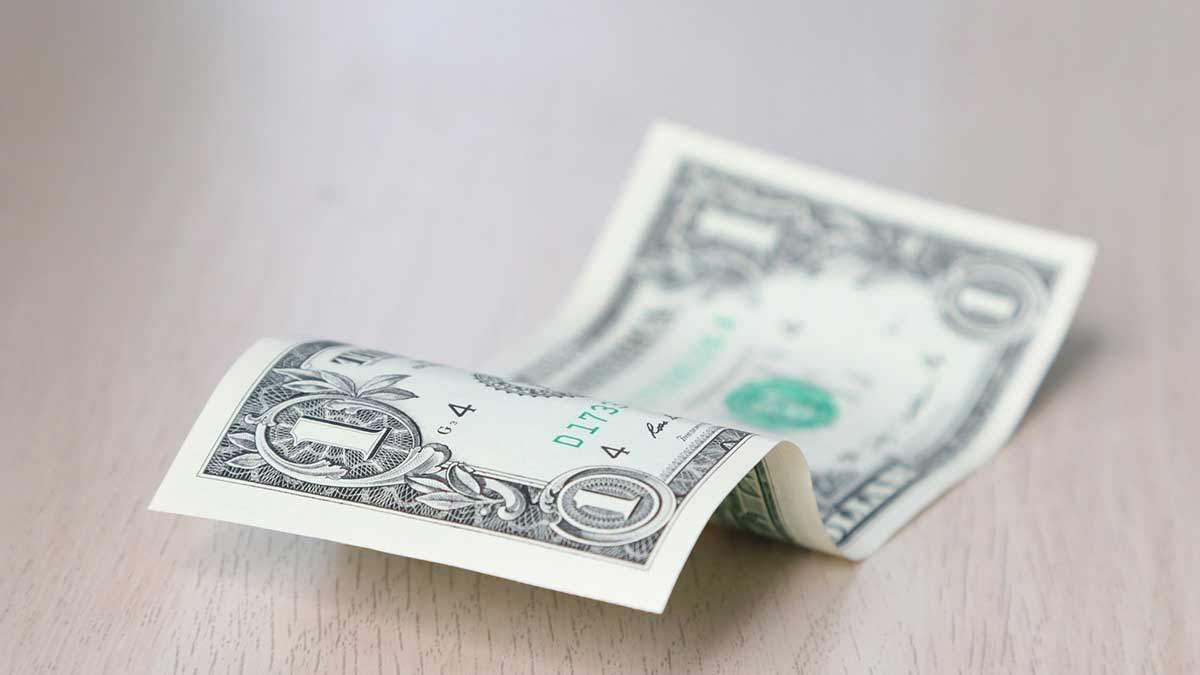Что происходит с долларом: объяснение эксперта