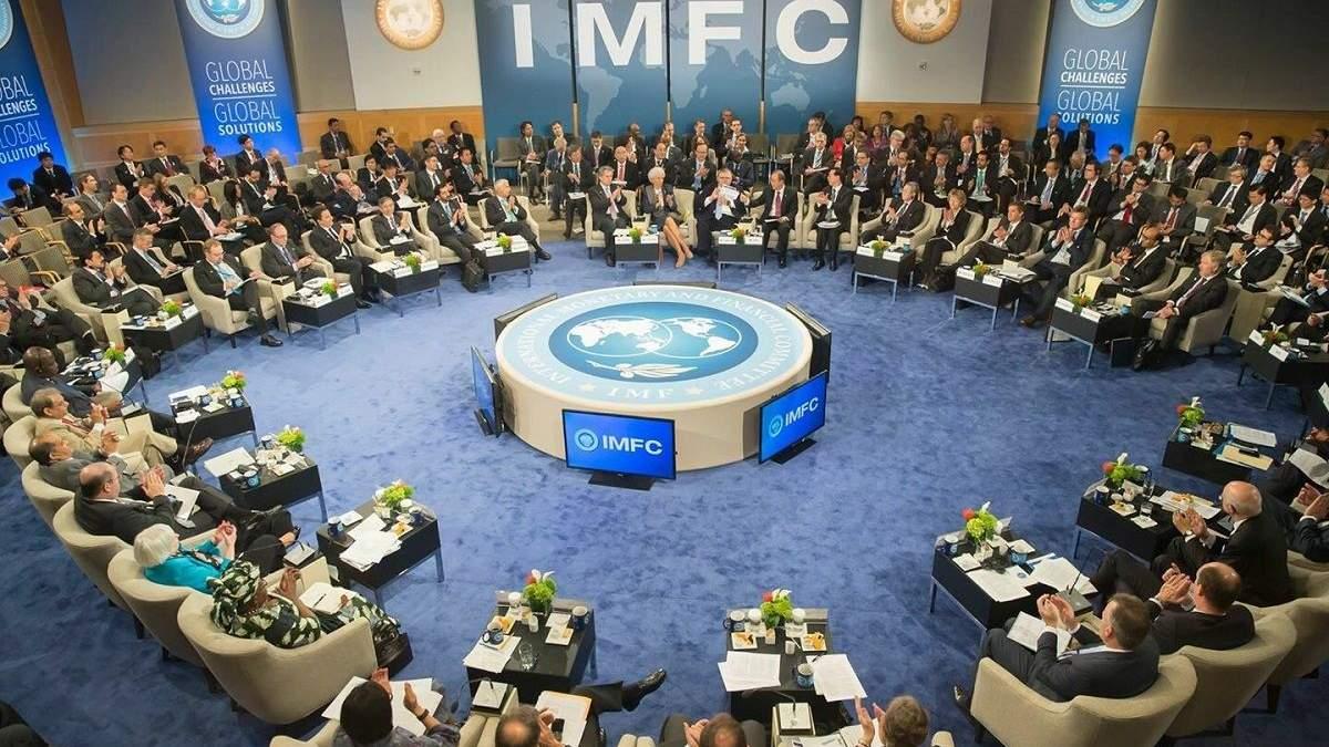 Українські урядовці обговорять з МВФ продовження кредитування України