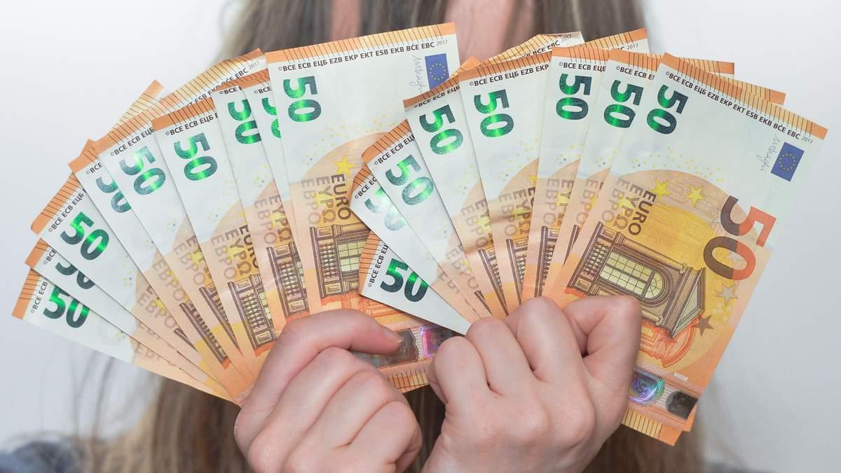 Готівковий курс валют на 04.11.2019: курс долару та євро