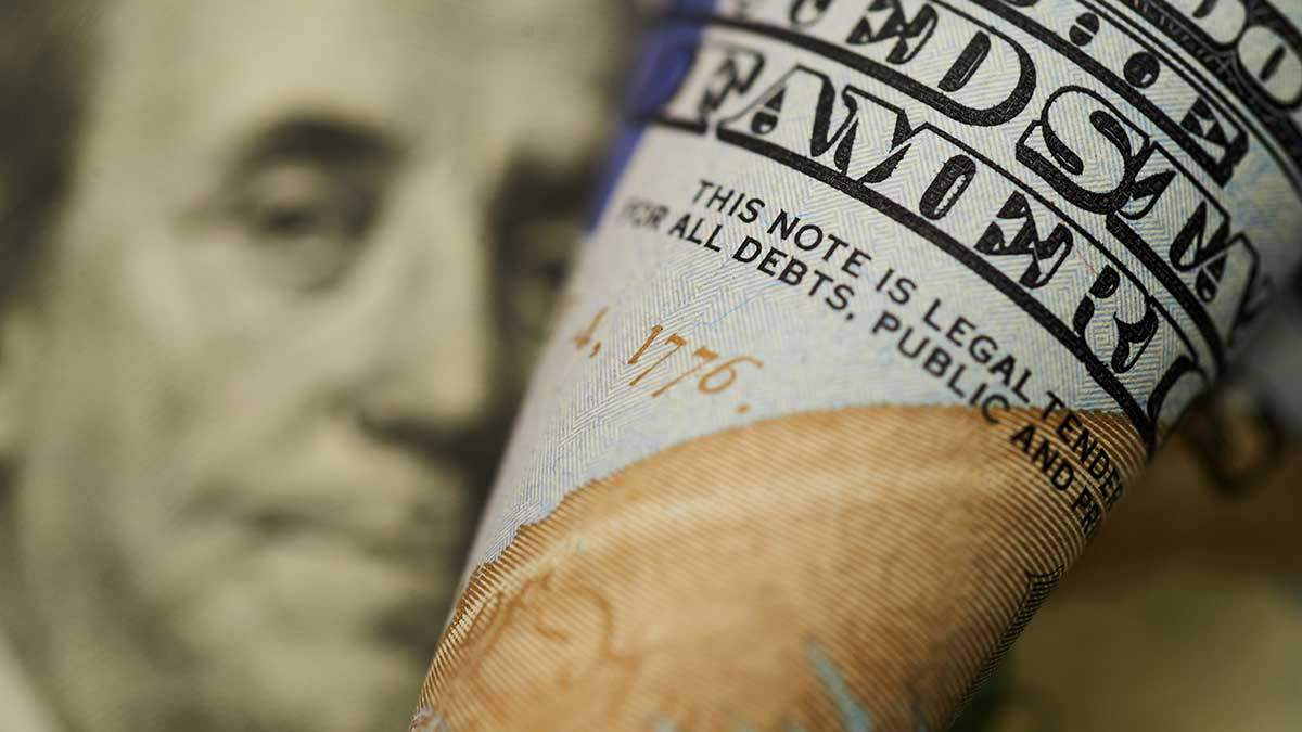 Готівковий курс валют на сьогодні 20.11.2019: курс долару та євро